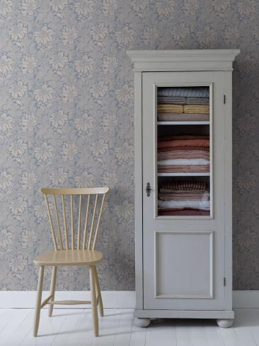 The wallpaper Acanthus from Boråstapeter. The wallpaper design and pattern is blue and consists of Archive Floral Foliage Traditional