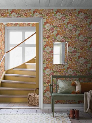 The wallpaper Anita from Boråstapeter. The wallpaper design and pattern is multi and consists of Archive Floral Foliage