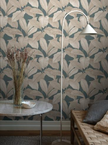 The wallpaper Bo from Boråstapeter. The wallpaper design and pattern is turquoise and consists of Foliage