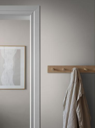 The wallpaper Bror from Boråstapeter. The wallpaper design and pattern is white and consists of Single Colour Textile