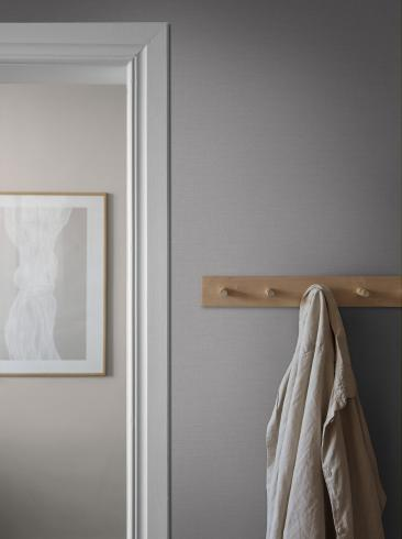 The wallpaper Bror from Boråstapeter. The wallpaper design and pattern is grey and consists of Single Colour Textile