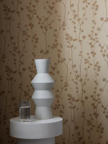 The wallpaper Disa from Boråstapeter. The wallpaper design and pattern is red and consists of Foliage