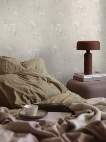 The wallpaper Doris from Boråstapeter. The wallpaper design and pattern is green and consists of Floral