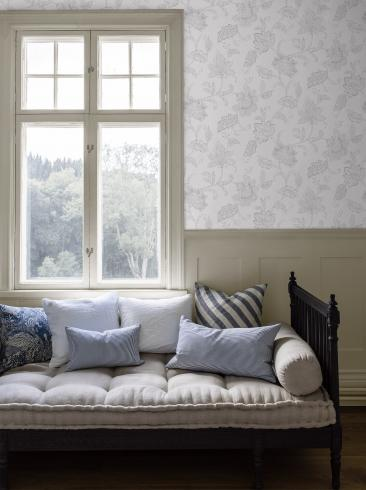 The wallpaper Indigo Bloom from Boråstapeter. The wallpaper design and pattern is grey and consists of Floral Textile