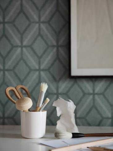 The wallpaper Klara from Boråstapeter. The wallpaper design and pattern is green and consists of Geometric
