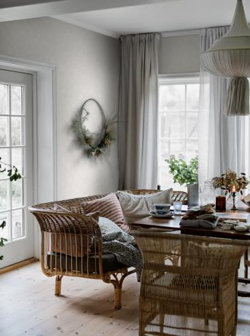 The wallpaper Painter´s Wall from Boråstapeter. The wallpaper design and pattern is white and consists of Limestone Single Colour