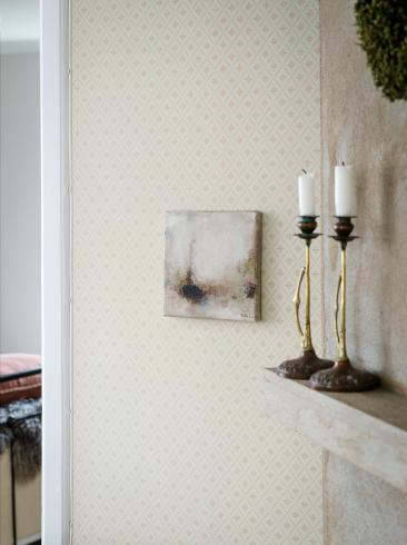 The wallpaper Windrose from Boråstapeter. The wallpaper design and pattern is neutrals and consists of Trellis