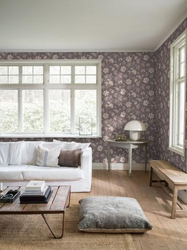 The wallpaper Camille from Boråstapeter. The wallpaper design and pattern is red and consists of Floral