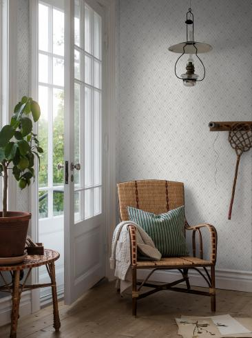 The wallpaper Ester from Boråstapeter. The wallpaper design and pattern is grey and consists of Trellis