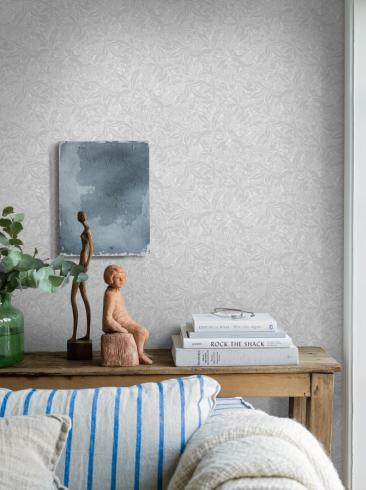The wallpaper Fantasia from Boråstapeter. The wallpaper design and pattern is grey and consists of Playful & Imaginative