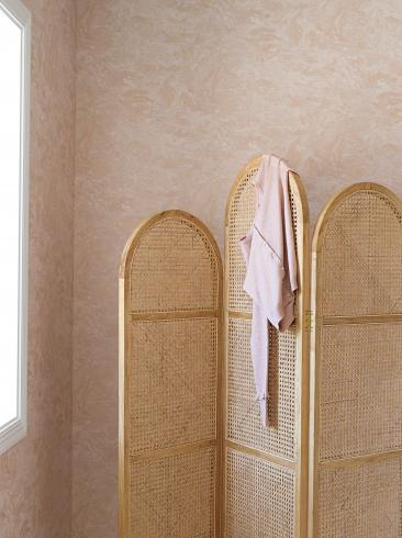 The wallpaper Golden Marble from Boråstapeter. The wallpaper design and pattern is pink and consists of Marble