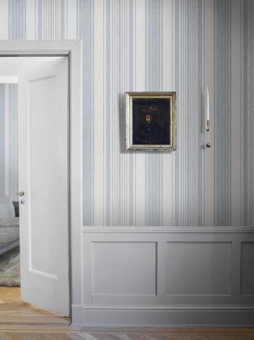 The wallpaper Linen Stripe from Boråstapeter. The wallpaper design and pattern is blue and consists of Stripe