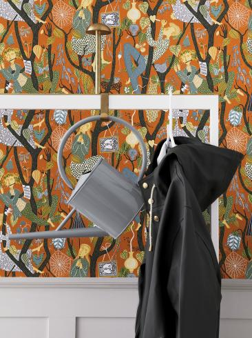 The wallpaper Melodi from Boråstapeter. The wallpaper design and pattern is orange and consists of Playful & Imaginative