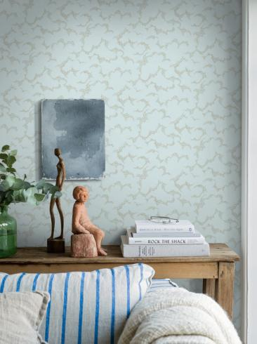 The wallpaper Molntuss from Boråstapeter. The wallpaper design and pattern is green and consists of Playful & Imaginative