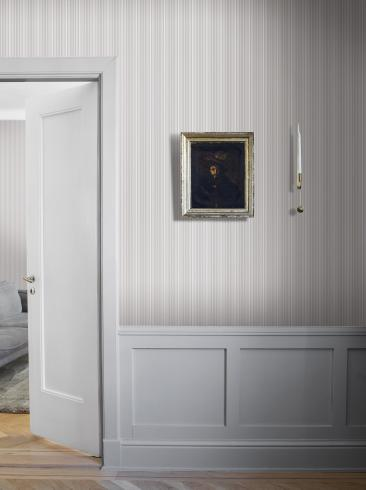 The wallpaper Noble Stripe from Boråstapeter. The wallpaper design and pattern is grey and consists of Stripe