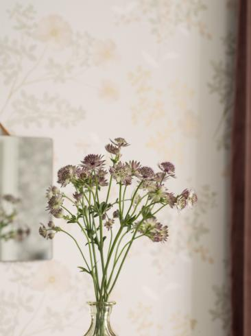 The wallpaper Prairie Rose from Boråstapeter. The wallpaper design and pattern is neutrals and consists of Floral