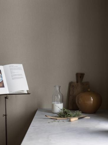 The wallpaper Pure Linen from Boråstapeter. The wallpaper design and pattern is neutrals and consists of Single Colour Structure Textile