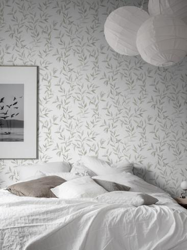 The wallpaper Sense from Boråstapeter. The wallpaper design and pattern is white and consists of Foliage Sketched
