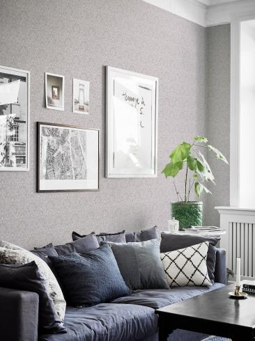 The wallpaper Serenade from Boråstapeter. The wallpaper design and pattern is grey and consists of Damask