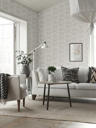 The wallpaper Simone from Boråstapeter. The wallpaper design and pattern is grey and consists of Sketched Forest
