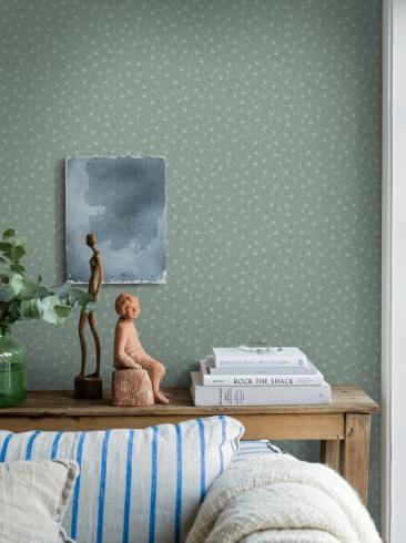 The wallpaper Stjärnflor from Boråstapeter. The wallpaper design and pattern is green and consists of Playful & Imaginative
