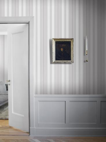 The wallpaper Stockholm Stripe from Boråstapeter. The wallpaper design and pattern is white and consists of Stripe