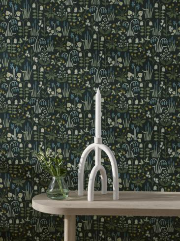 The wallpaper Strawberry Field from Boråstapeter. The wallpaper design and pattern is black and consists of Floral