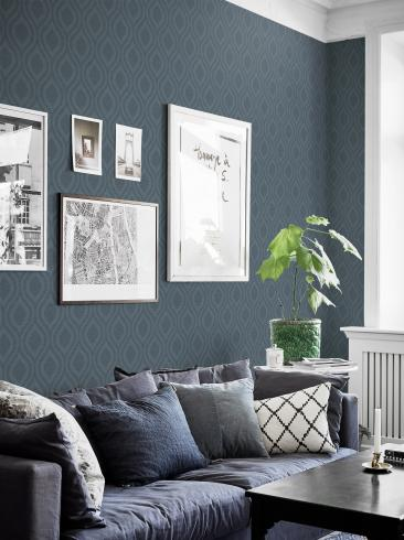 The wallpaper Swing from Boråstapeter. The wallpaper design and pattern is blue and consists of Graphic Sketched Structure Textile