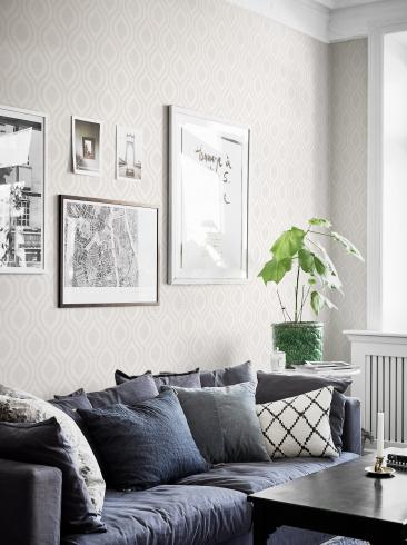 The wallpaper Swing from Boråstapeter. The wallpaper design and pattern is white and consists of Graphic Sketched Structure Textile
