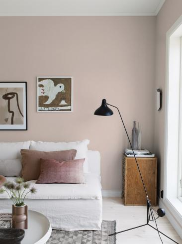 The wallpaper Thai Silk from Boråstapeter. The wallpaper design and pattern is pink and consists of Single Colour