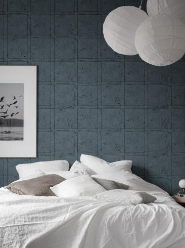 The wallpaper Vintage Panel from Boråstapeter. The wallpaper design and pattern is blue and consists of Checked